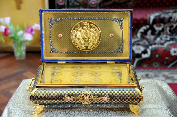 Частицы мощей в Казанском храме г.Павловска